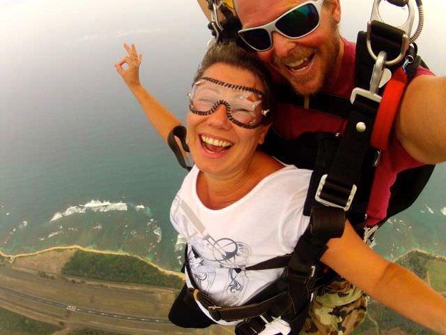 Skydive in Hawaii Indiana Jo