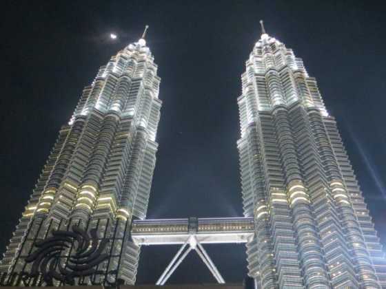 Places to visit in Kuala Lumpur Petronas Towers
