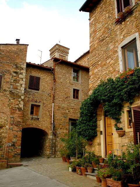 Explore the Old Town Tavarnelle val di Pesa