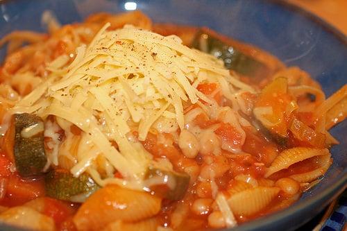 """Italų virtuvė Romoje išbandykite """"Minestrone"""" sriubą"""
