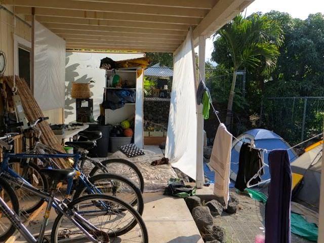 Kona Hostel Backpacking Hawaii