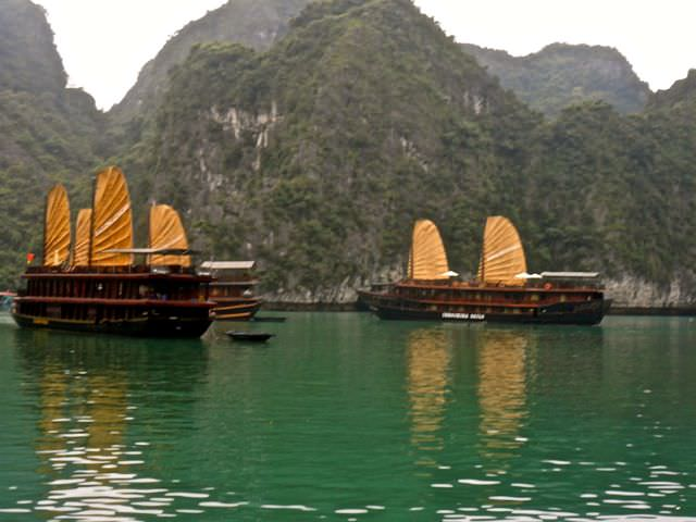 Halong Bay Boats what to see in vietnam in 2 weeks