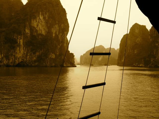 Halong Bay what to see in vietnam in 2 weeks