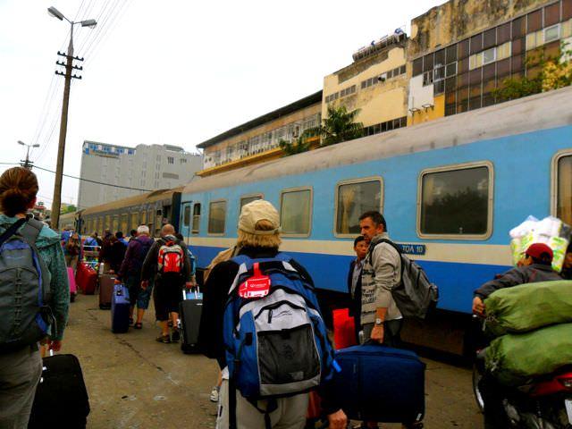 Train Vietnam Take Tours