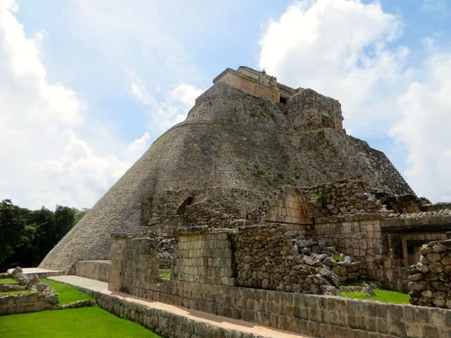 Uxmal Take Tours