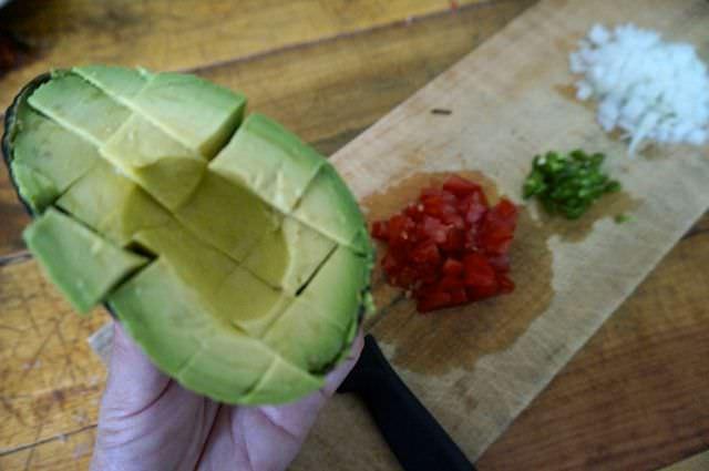 Quick and Easy Guacamole Recipe 5