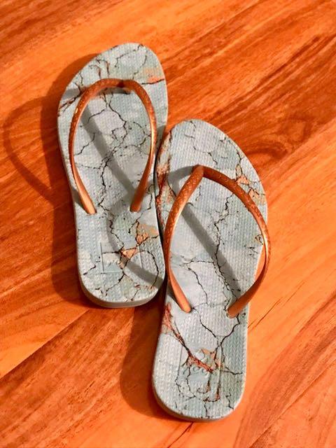 Best shoes for travel flip flops reef
