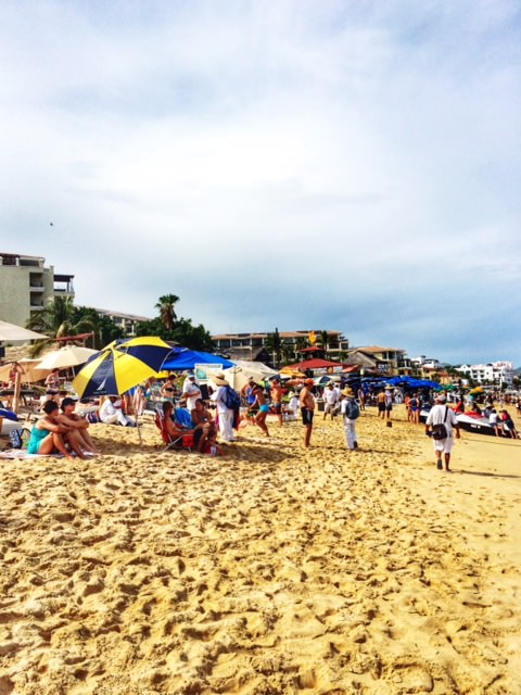 Crowded Beach Casa Natalia in San Jose del Cabo