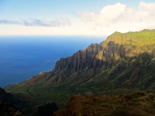 best destinations for solo female travelers Hawaii