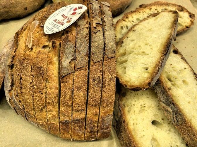 Regional Food in Puglia - Altimura Bread