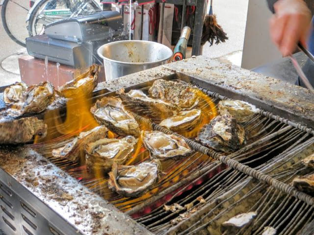 what to eat in Japan oysters