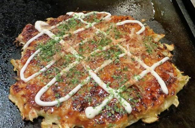 What to eat in Japan Okonomitaki