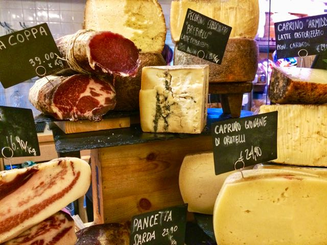 sardinian food meat and cheese