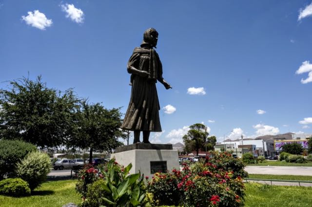 Things to see in Chihuahua - monument mother raramuri