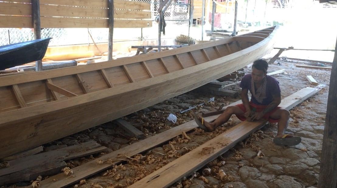 Inle Lake Tour boat making