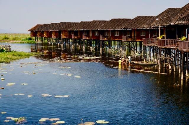 Inle Lake Boat Tour bungalows