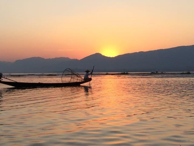 Inle Lake tour sunset fisherman