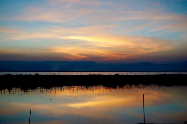 Inle Lake tour sunset on lake