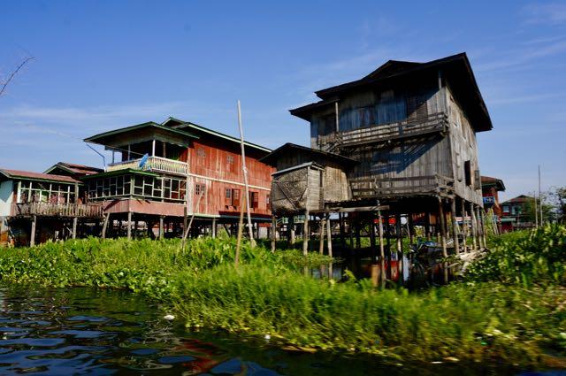 Inle lake tour houses
