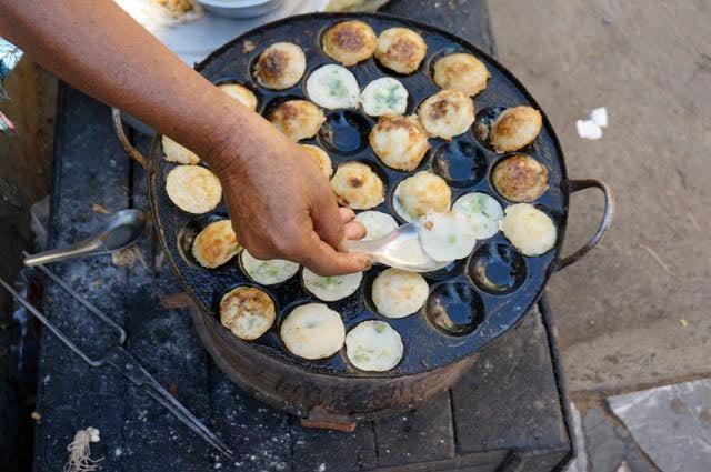 Inle lake tour market street food