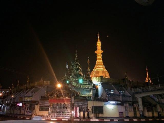 Things to do in Yangon Sule Pagoda