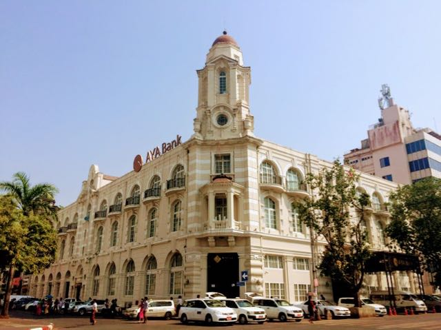 Things to do in Yangon grand buildings