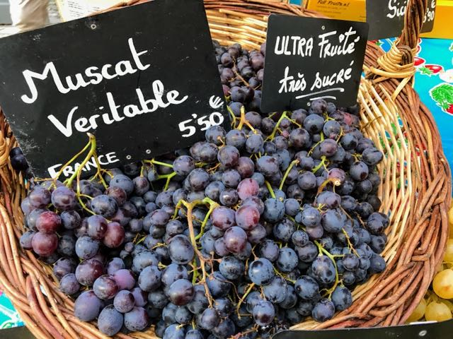 Things to do in Bordeaux muscat grapes