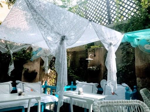 things to do in Dubai - Arabian tea house
