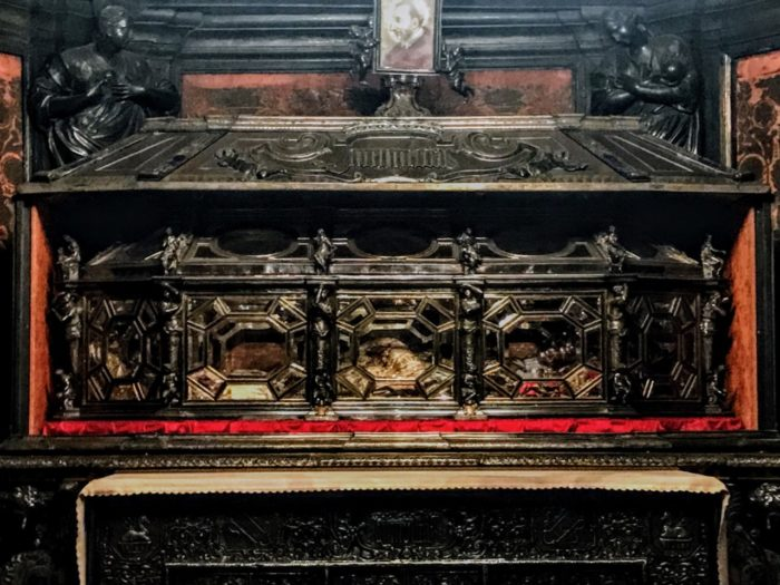 Things To Do In Milan Duomo Crypt Crystal Coffin
