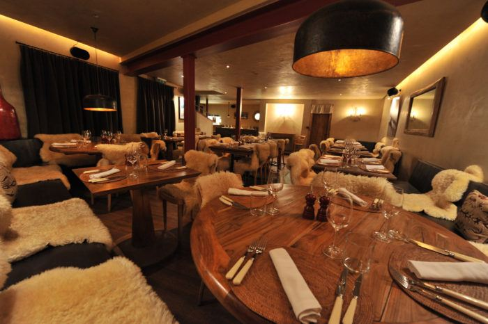 interior of le rouge verbier